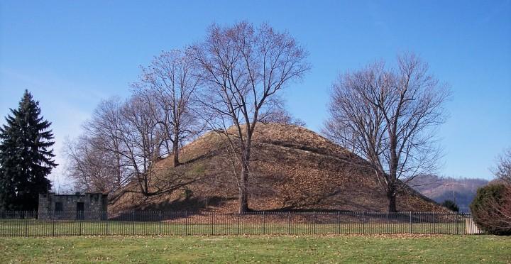 Grave_Creek_Mound (Adena Cultuur)