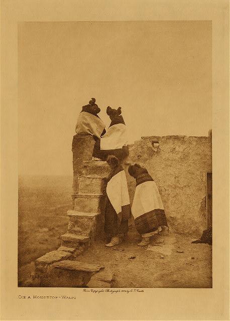 Curtis a Housetop (Walpi) 1906