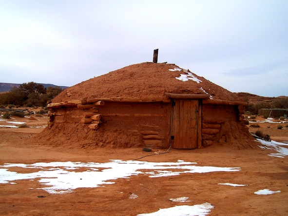 Navajo_hogan